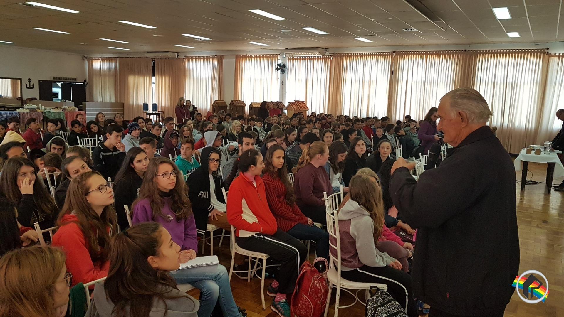 Educação de Itapiranga promove evento sobre Resgate Histórico Geográfico