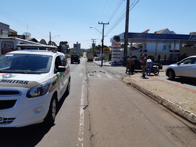 Motociclista fica ferido em colisão na Waldemar Rangrab