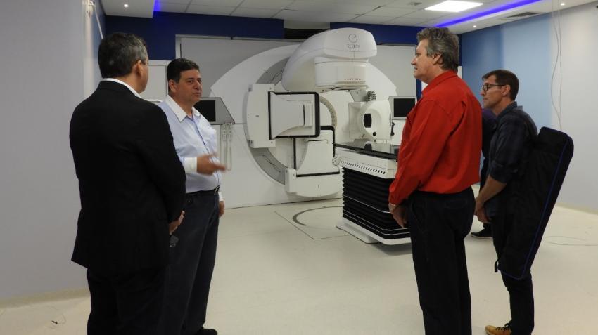 Vereadores de São Miguel visitam hospitais oncológicos de Cascavel