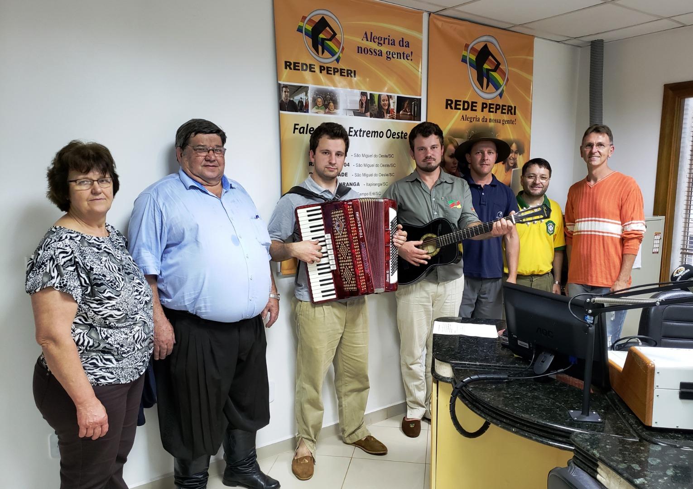 Rádio Oeste transmite culto crioulo do CTG Herança Pampiana