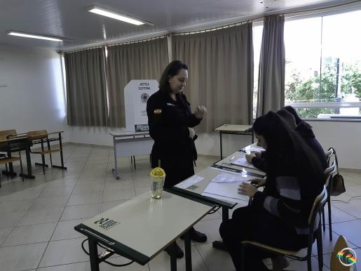 VÍDEO: Mais de 30 mil eleitores devem voltar às urnas neste domingo em SMOeste