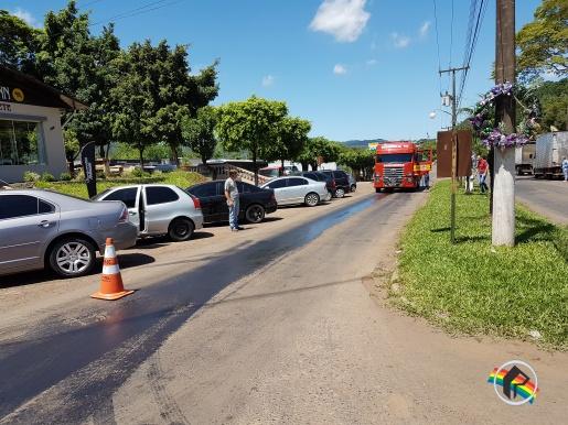 Óleo na Pista causa acidente na Avenida Uruguai