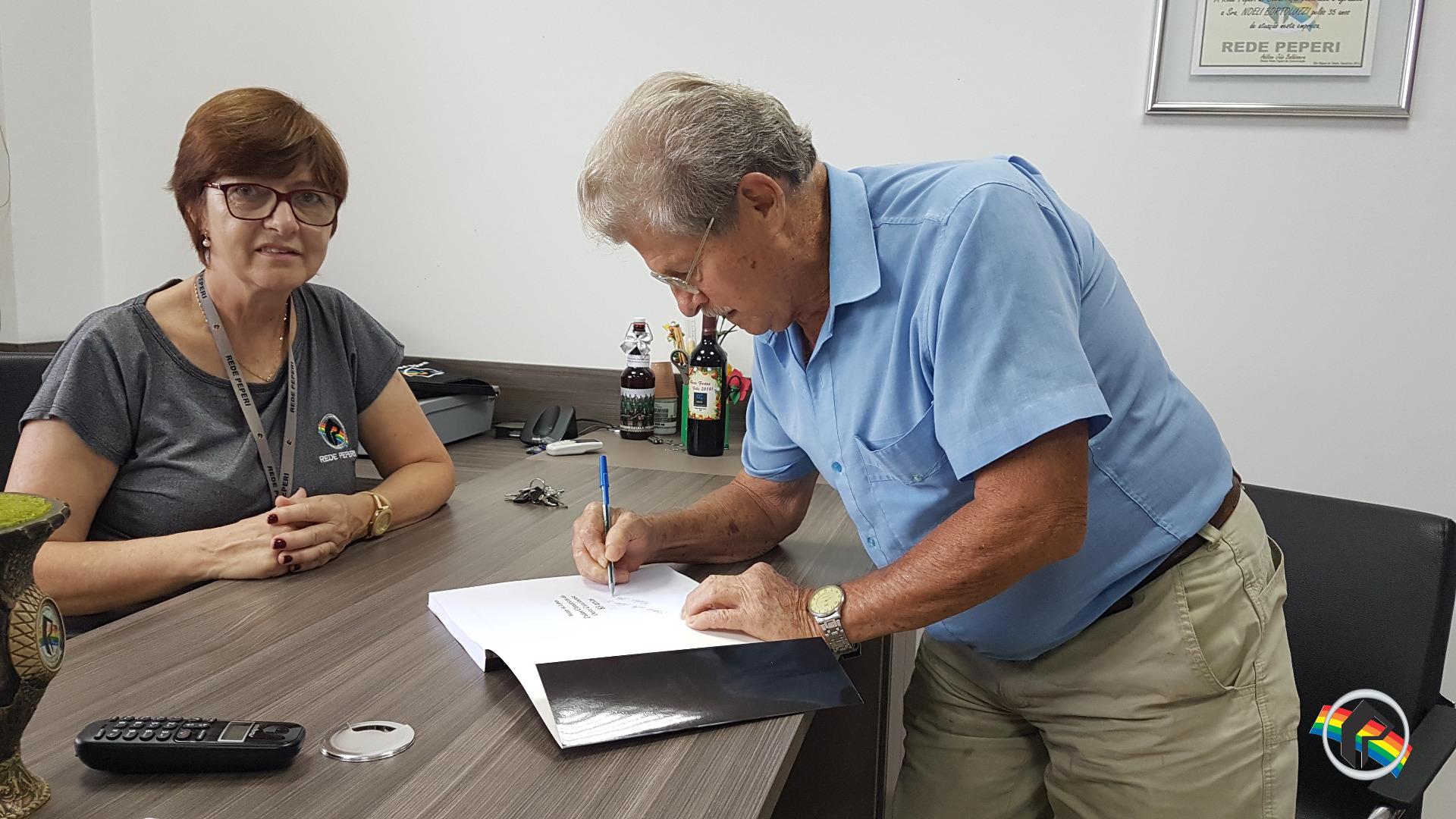 Homem do tempo lança livro sobre 83 anos de clima na região