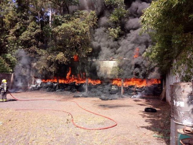 Incêndio atinge stande de tiros da Polícia Militar em Chapecó