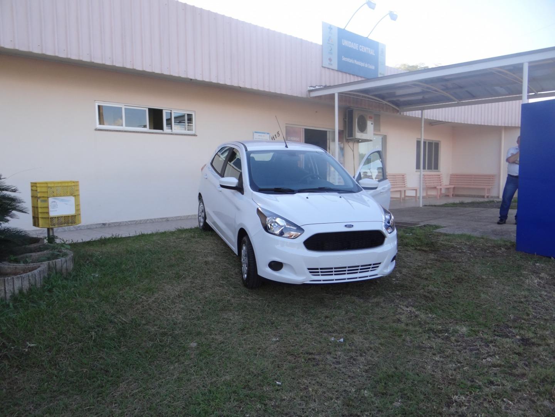 Secretaria de Saúde de Bandeirante recebe novo veículo