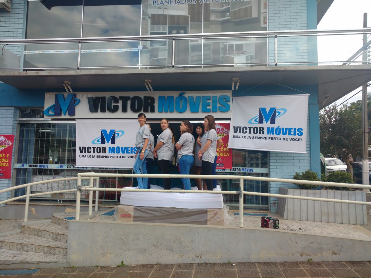 Loja Victor Móveis realiza promoção de dia das mães