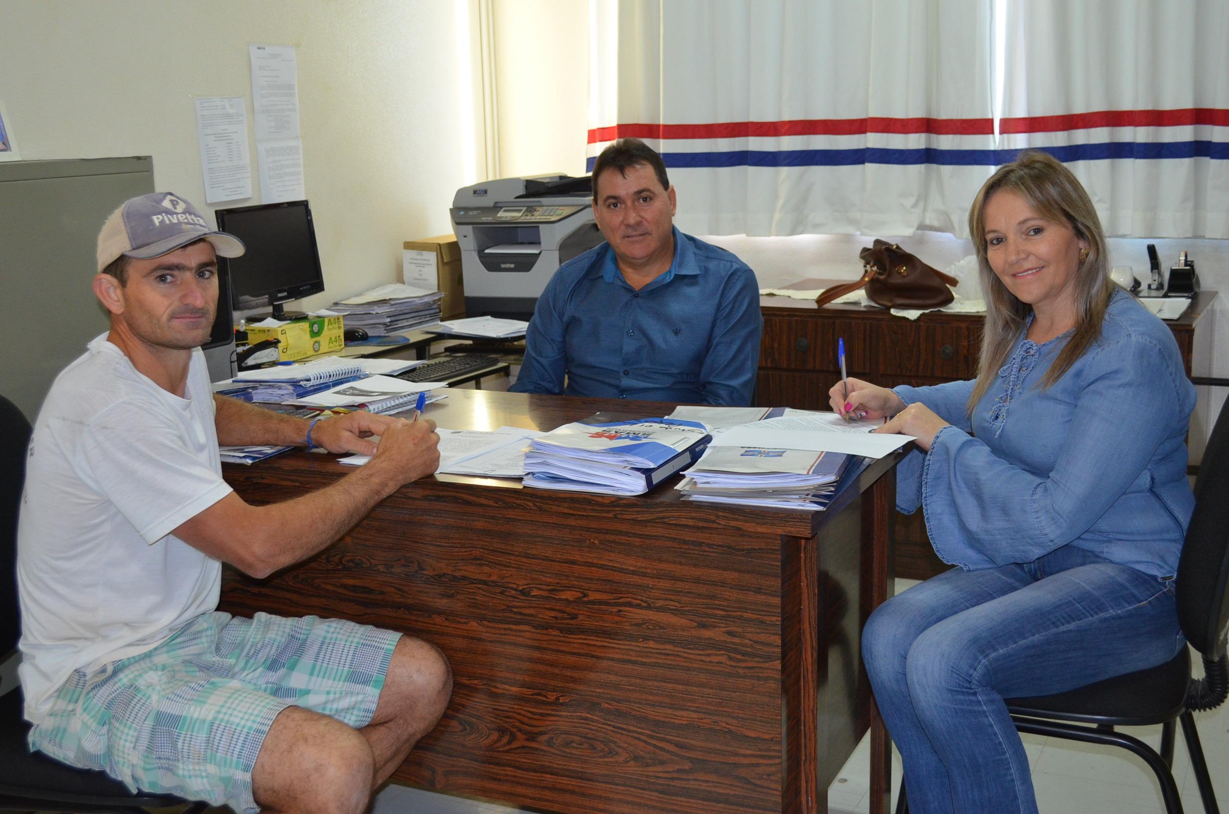 Administração assina Termo de Fomento com o Grupo Folclórico Lichtenschien