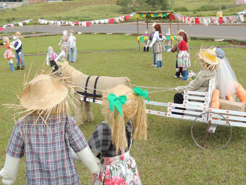 Decoração alusiva as festas juninas chama atenção em Descanso