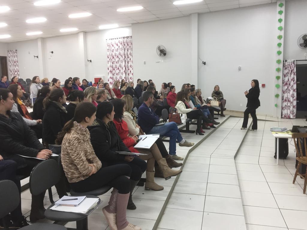 Professores participam de capacitação sobre a Base Nacional Curricular