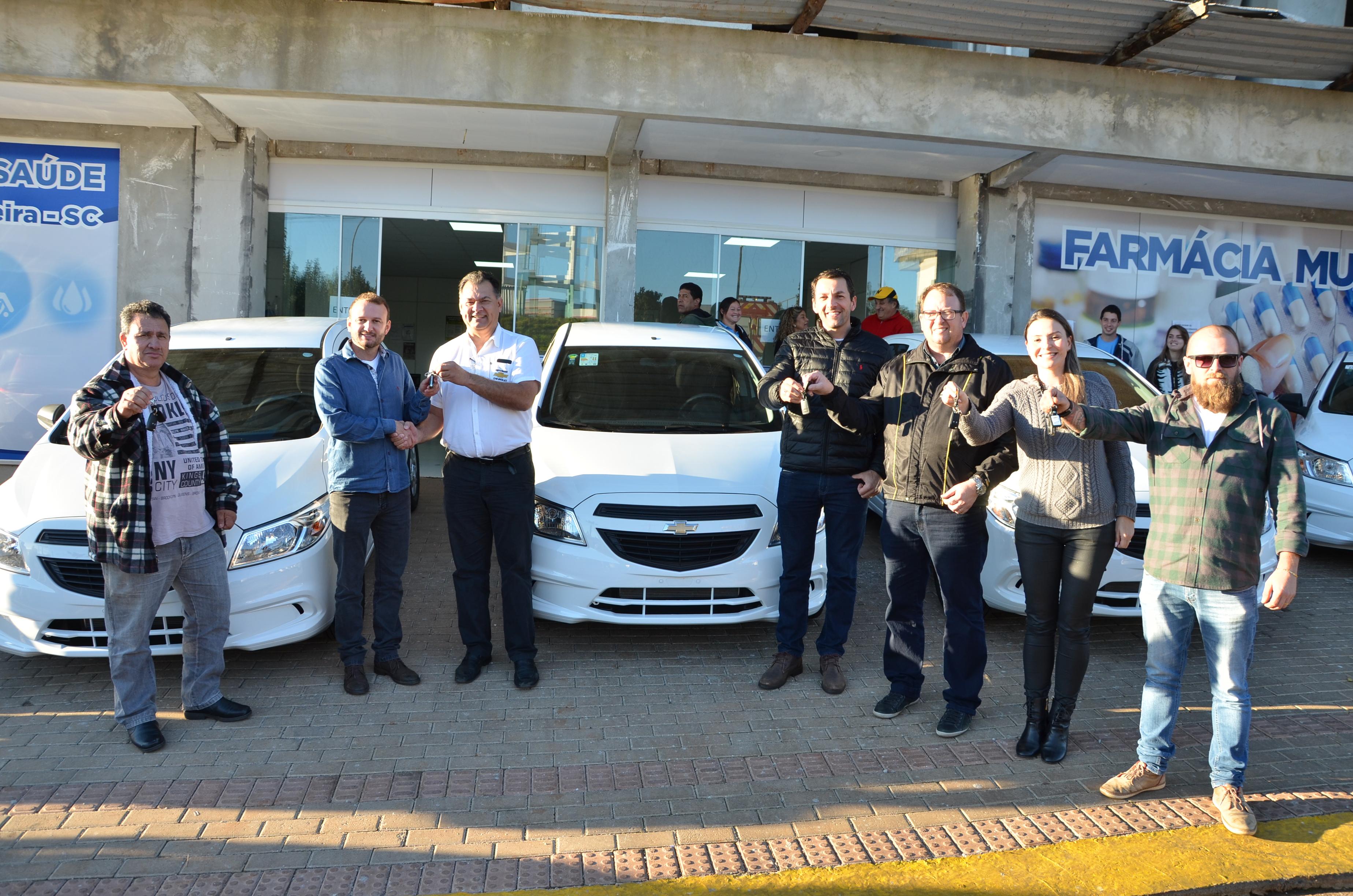 Prefeitura de Dionísio Cerqueira entrega 5 novos veículos para a Secretaria da Saúde