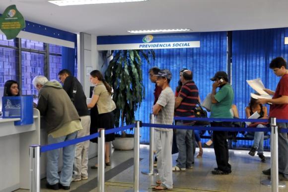 INSS vai pagar benefícios atrasados para 2 mil em SC