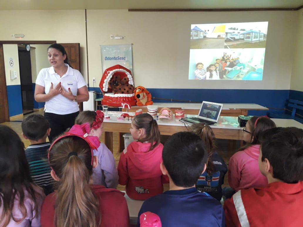 Projeto OdontoSesc realiza atividades de Educação em Saúde no município