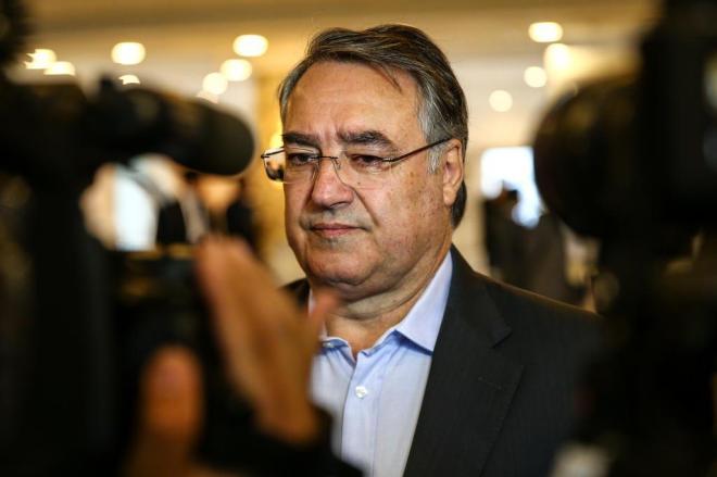 PGR pede que Colombo e mais quatro ex-governadores percam foro privilegiado