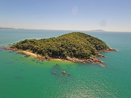 Ilha de R$ 5,5 milhões está à venda em Governador Celso Ramos
