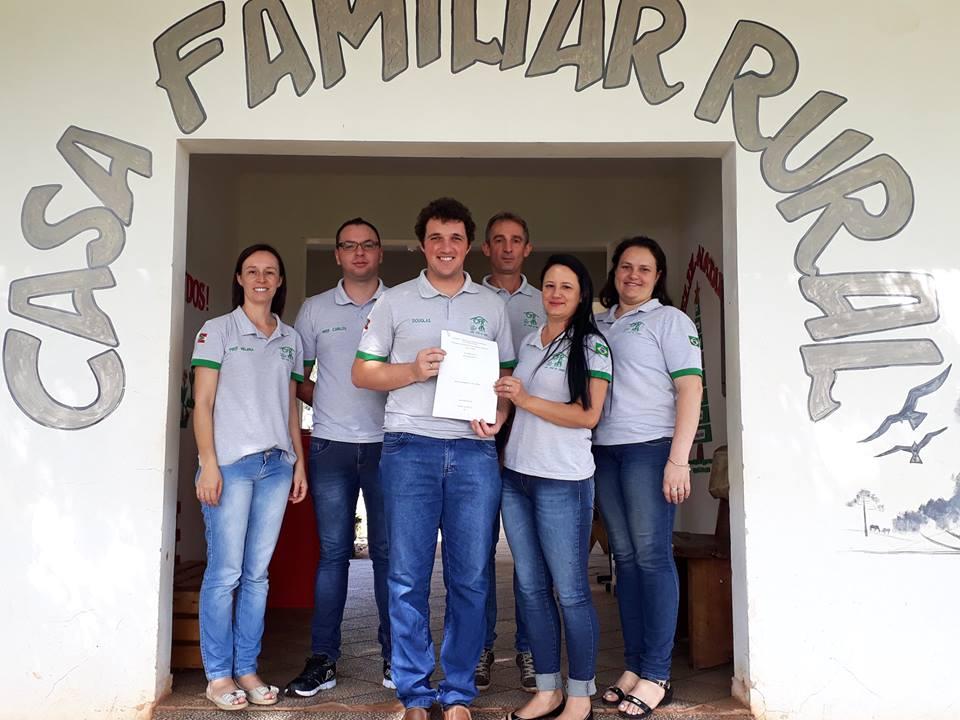 Casa Familiar Rural de São José do Cedro conquista o Curso Técnico em Agropecuária
