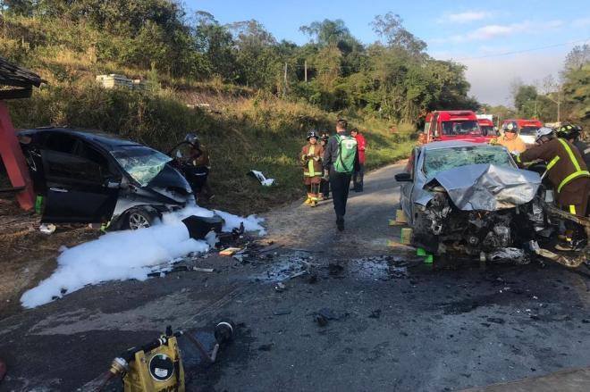 Ao menos cinco pessoas morreram em acidentes nas rodovias de SC