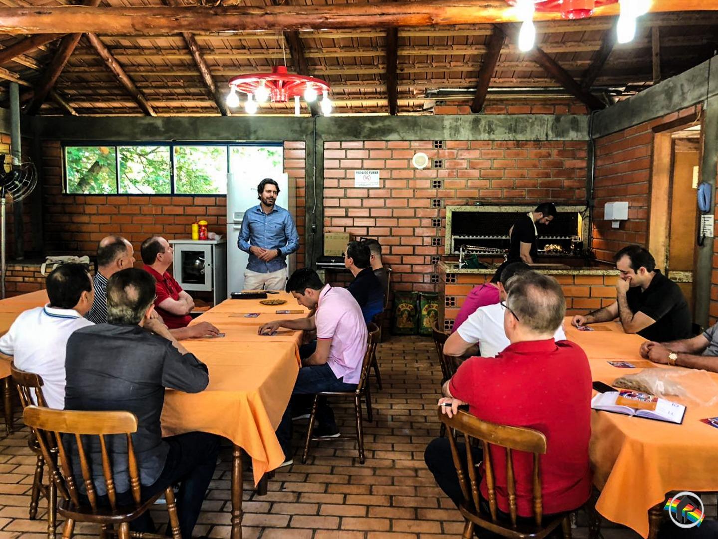 JA Santa Catarina é apresentado para empresários do município