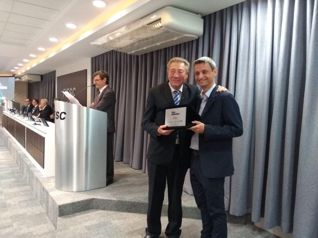 Jornalista da Peperi conquista 2º lugar no prêmio Fiesc de Jornalismo