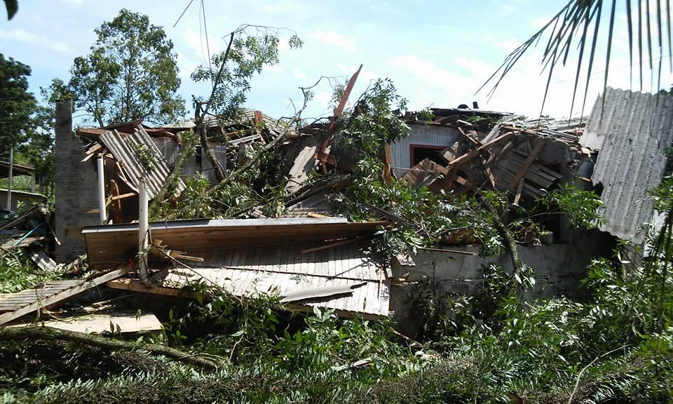 Temporal destelha pelo menos 80 residências em Palmitos