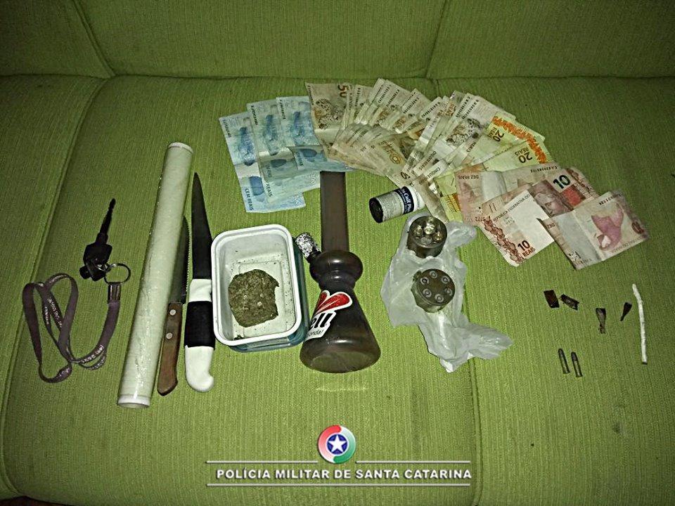 Polícia Militar prende sete pessoas por tráfico de drogas em São Miguel do Oeste