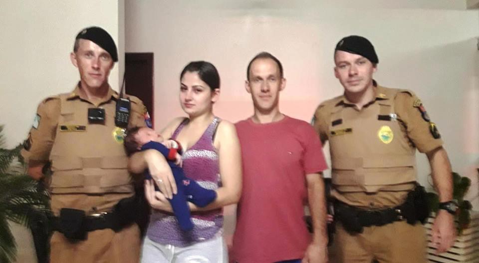 Policiais militares salvam bebê de apenas 30 dias