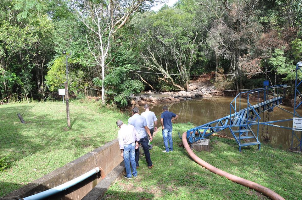 Vereadores de Maravilha visitam São José do Cedro para conhecer a estrutura do Semae