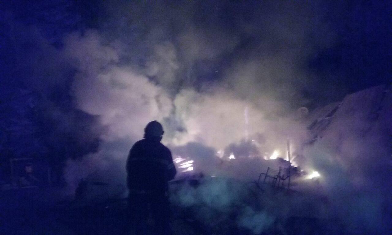 Casa é destruída pelo fogo em Mondaí