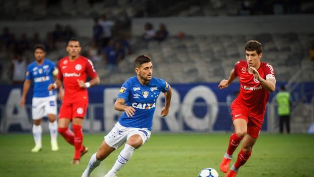 VÍDEO: Em jogo pegado Cruzeiro e Inter ficam no 0 a 0