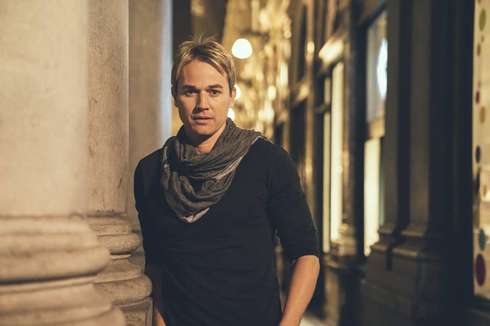 Apresentação do cantor Chris Durán é transferida para segunda-feira