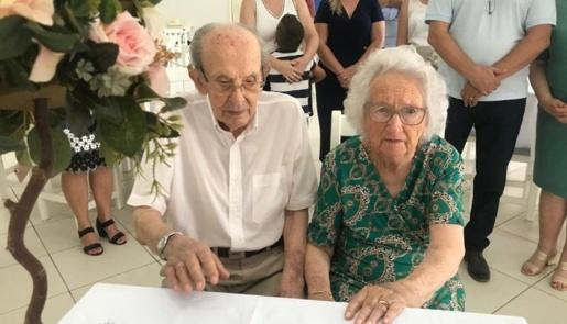 Casal do Oeste de Santa Catarina celebra 75 anos de casados