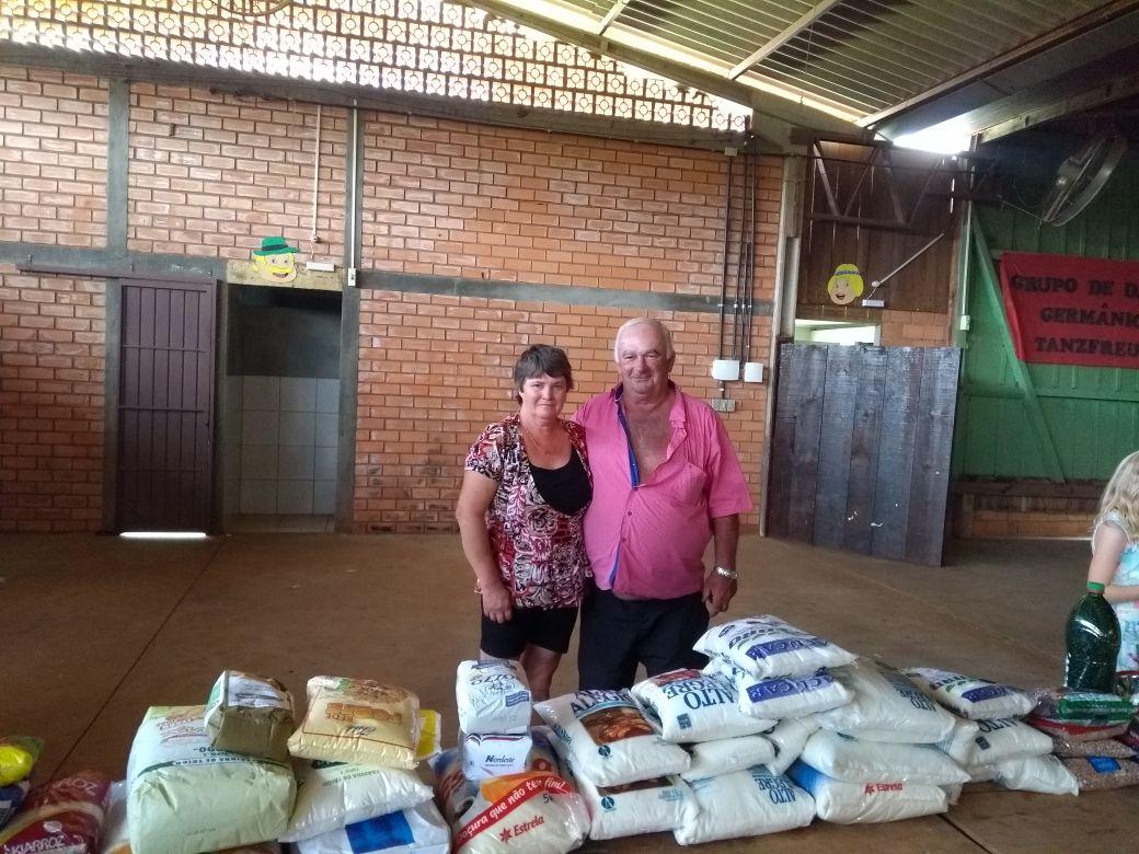 Hospital recebe mais de R$ 8 mil e alimentos provenientes de doações