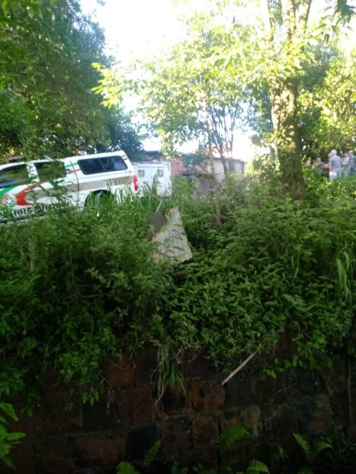 Homem é encontrado morto dentro de rio no centro de São José do Cedro