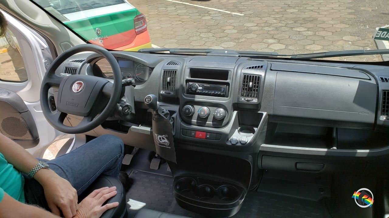 Secretaria de Saúde recebe novo veículo