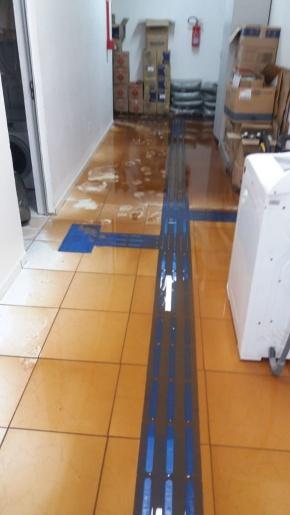 Chuva causa alagamento no Centro de Saúde de Tunápolis