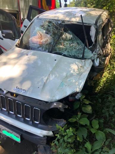 Acidente entre caminhão e carro deixa uma pessoa ferida em Chapecó