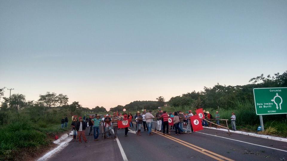 MST promove protestos pelo país contra prisão de Lula