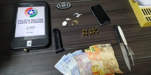 Polícia apreende menores com drogas e carregador de pistola