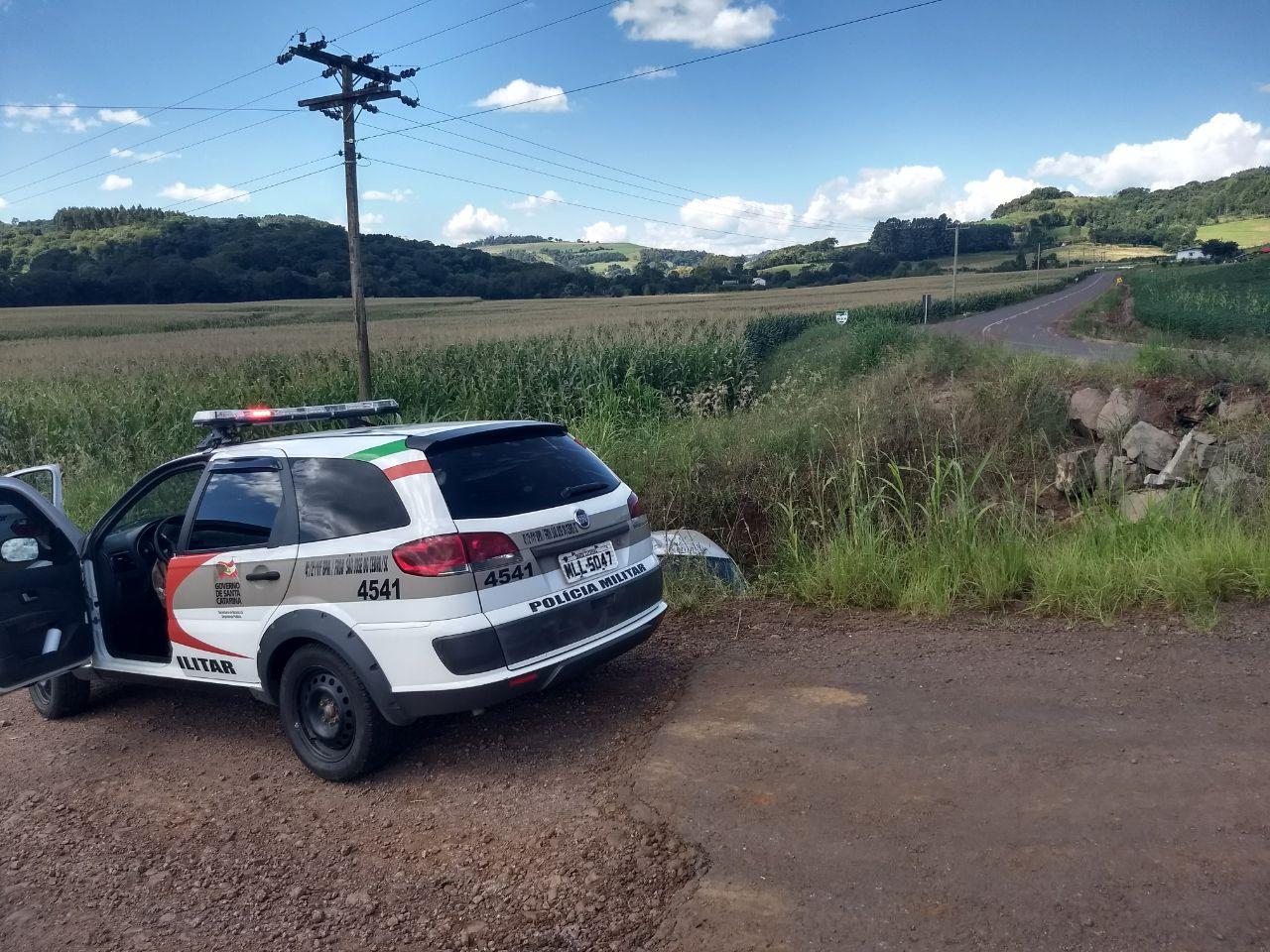 Motorista fica gravemente ferido em capotamento em São José do Cedro
