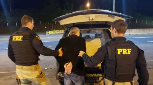 Homem é preso por suspeita de tráfico de menor