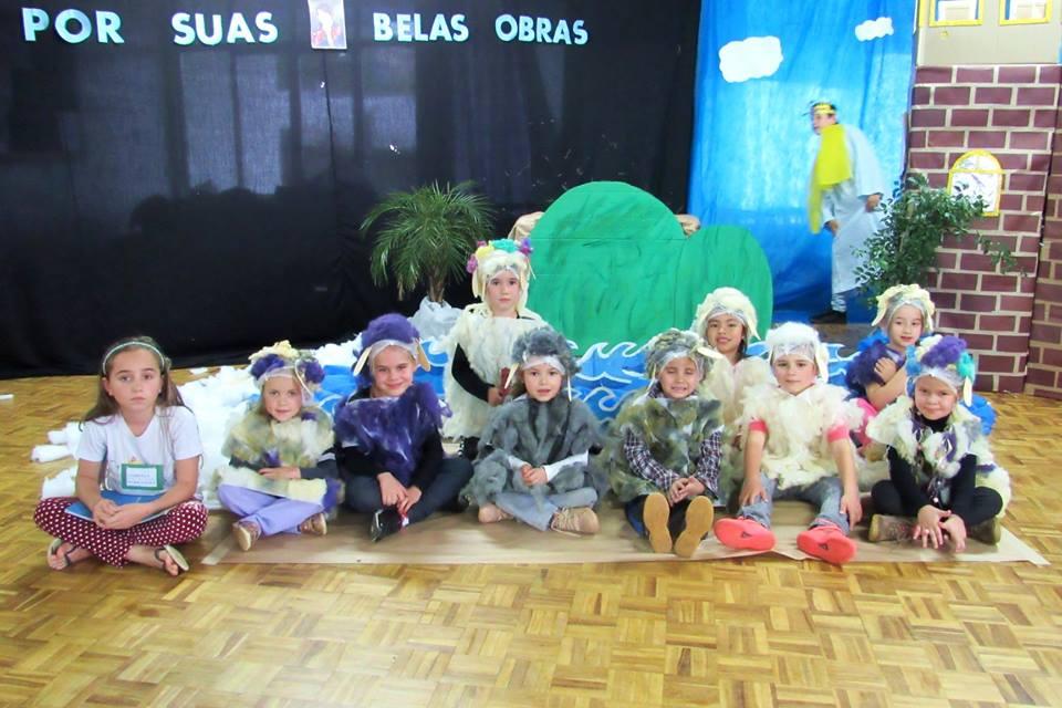 Sexto Chá literário reúne 500 alunos em homenagem à escritora Ana Maria Machado