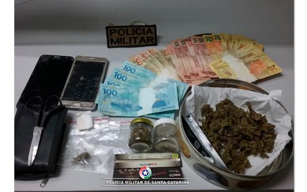 Duas pessoas são presas por tráfico de drogas em Guaraciaba