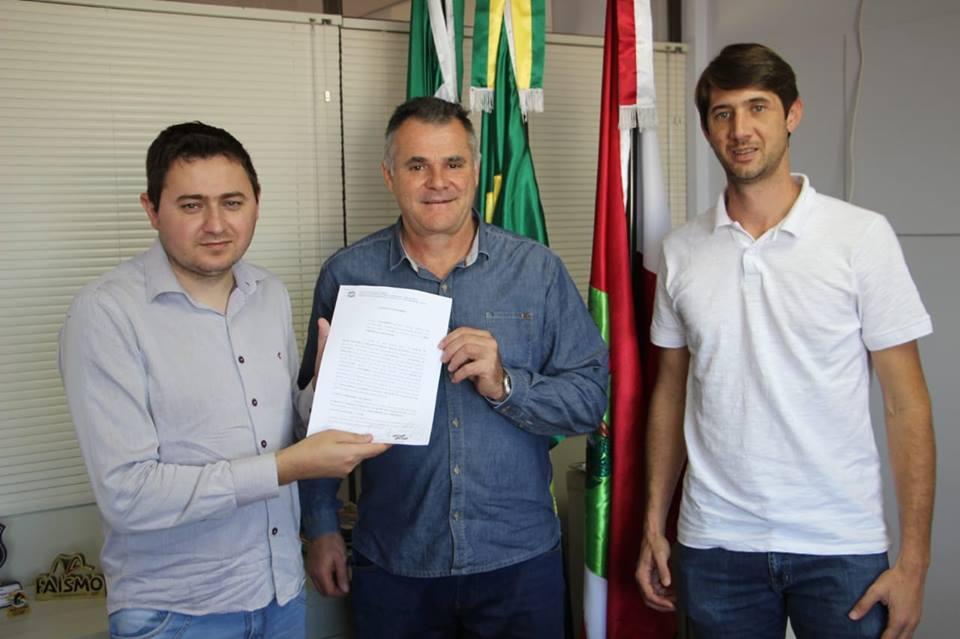 ADR e prefeitura assinam convênio visando apoio para Feira da Bezerra