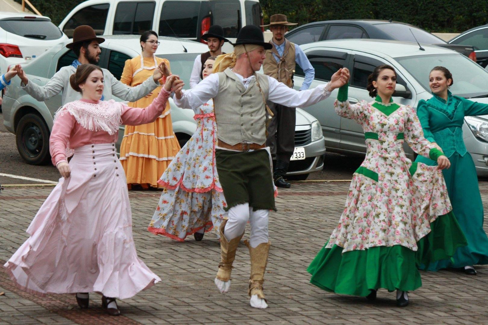 CTG Porteira Aberta participa do 14º Festiva Regional da Cultura Gaúcha