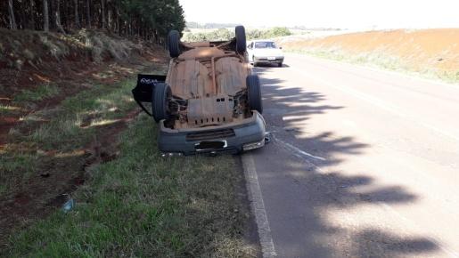 Motorista fica ferida em acidente na PR 180
