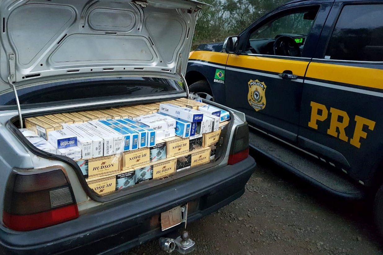 Cigarros contrabandeados são apreendidos após motorista fugir de fiscalização na BR 282