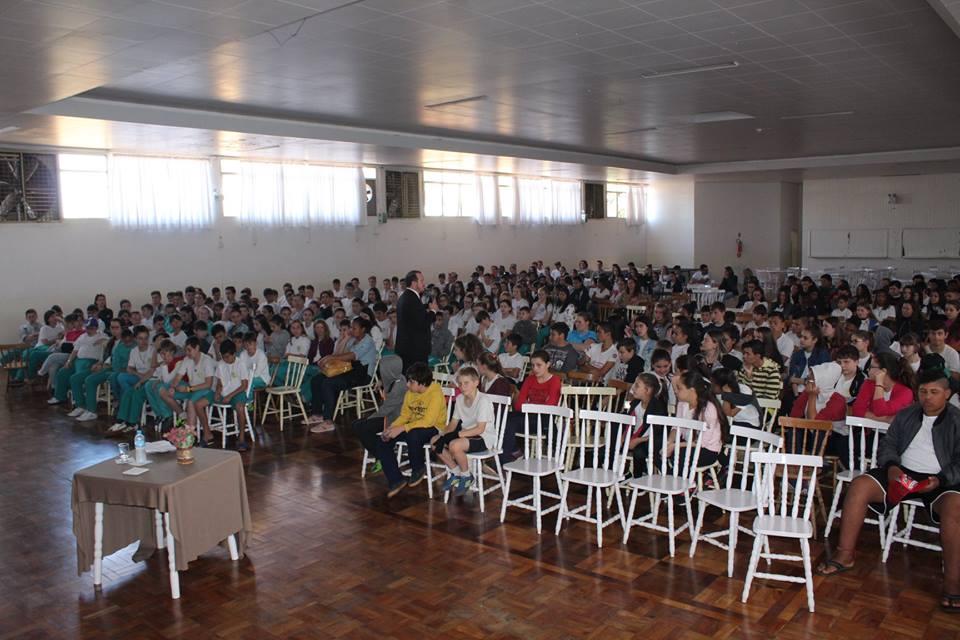 Polícia Civil promove ciclo de palestras sobre o perigo das drogas