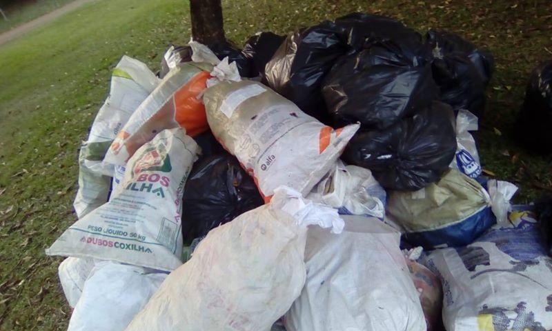 Internauta reclama de acúmulo de resíduos sólidos no interior