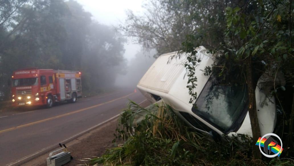 Motorista fica ferido em acidente na SC 163