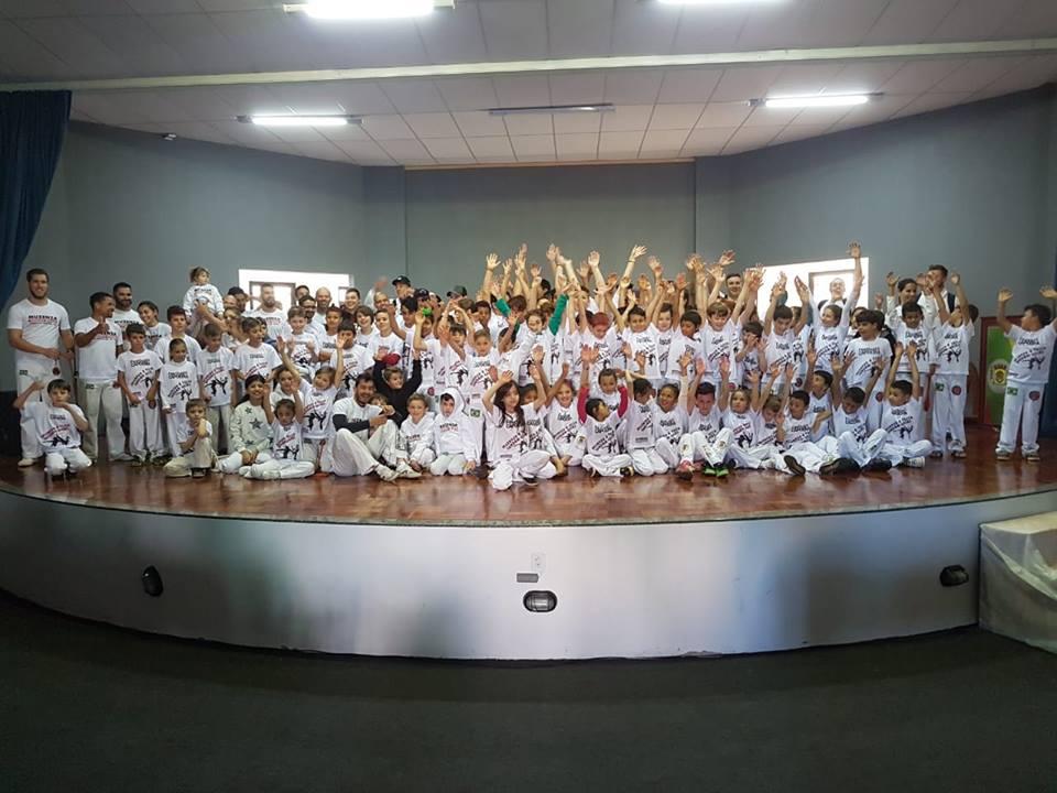 Alunos recebem graduação durante Festival de Capoeira em Palma Sola