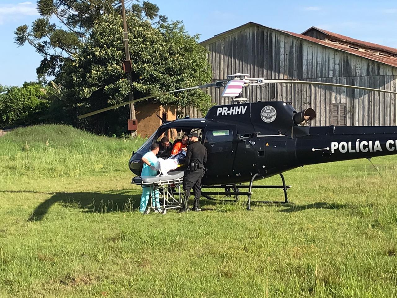 Saída de pista deixa dois feridos na SC-161 em Romelândia